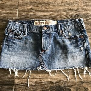 ✨HOLLISTER MINI SKIRT✨